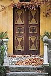 Italy, South Tyrol, Alto Adige, near Merano, Scena: Castle Scena, door, entrance