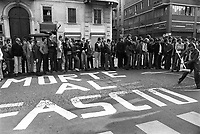 - anti-fascist manifestation of the leftist groups (Milan, 1976)<br /> <br /> - manifestazione antifascista dei gruppi di sinistra (Milano, 1976)