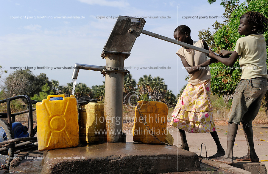 South Sudan, Rumbek, water supply /SUEDSUDAN Rumbek , Handwasserpumpe