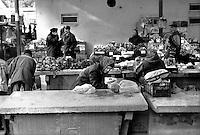 - Delta del Danubio, Tulcea, il mercato vecchio..- Danube Delta Area, Tulcea. The old marked in Tulcea...