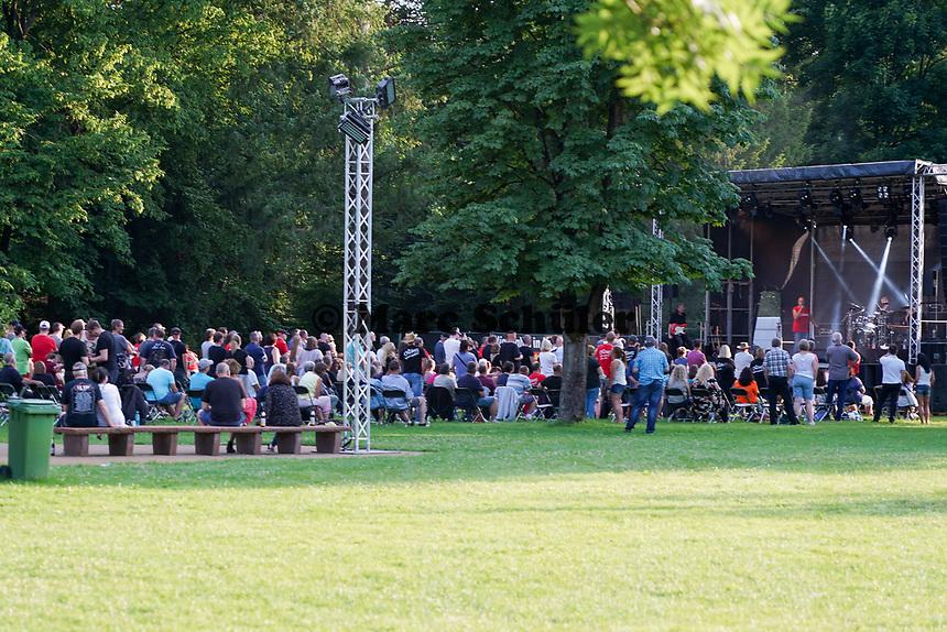 Auftritt der Crackers im Waldschwimmbad Mörfelden - Mörfelden-Walldorf 18.07.2021: Konzert Crackers