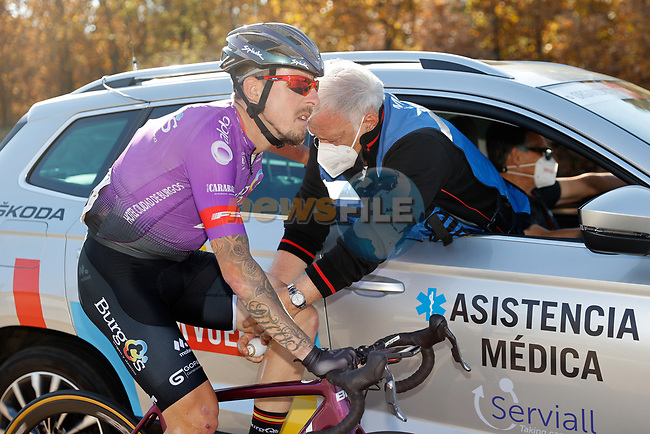 Angel Madrazo Ruiz (ESP) Burgos-BH back at the medical car during Stage 9 of the Vuelta Espana 2020 running 157.7km from B.M. Cid Campeador. Castrillo del Val to Aguilar de Campo, Spain. 29th October 2020.    <br /> Picture: Luis Angel Gomez/PhotoSportGomez | Cyclefile<br /> <br /> All photos usage must carry mandatory copyright credit (© Cyclefile | Luis Angel Gomez/PhotoSportGomez)