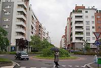 milano, periferia nord. nuovo complesso residenziale tra i quartieri quarto oggiaro e certosa --- milan, north periphery. new residential buildings compound at quarto oggiaro - certosa districts