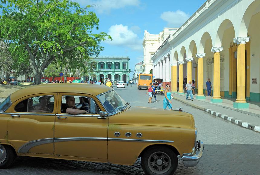 Midday at Parque Vidal in Santa Clara, Cuba, April 20, 2016. MARK TAYLOR GALLERY