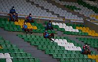 ARMENIA-COLOMBIA, 01-10-2020: Deportes Quindio y Fortaleza CEIF durante partido fase II vuelta por Copa BetPlay DIMAYOR 2020 en el estadio Centenario de la ciudad de Armenia. / Deportes Quindio y Fortaleza CEIF, during a match phase II 2nd leg for the BetPlay DIMAYOR Cup 2020 at the Centenario stadium in Armenia city. / Photo: VizzorImage / Ricardo Vejarano / Cont.