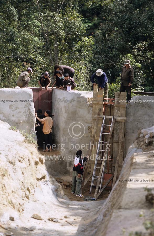 Laos, lao-german company Sunlabob install minihydro power station, solar and village electricity grid in Hmong village Nam Kha / Laos, deutsche laotische Firma Sunlabob installiert ein kleines Wasserkraftwerk, Solaranlagen und Stromnetz zur autarken Energieversorgung im Hmong Dorf Nam Kha