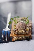 Europe/France/73/Savoie/Val d'Isère:<br /> Millefeuille croustillant de ris de veau aux pommes de savoie Recette de Jérome Labrousse du restaurant: La Table des  Neiges à l'Hôtel Tsanteleina