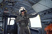 - Interno di un elicottero CH 46 degli US Marines durante esercitazioni NATO in Mediterraneo (Maggio 1990)<br /> <br /> - Interior of a CH 46 helicopter of  US Marines during NATO exercises in the Mediterranean (May 1990)