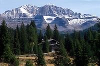 - Valtellina, Dolomiti of Brenta mountains....- Valtellina, montagne Dolomiti del Brenta
