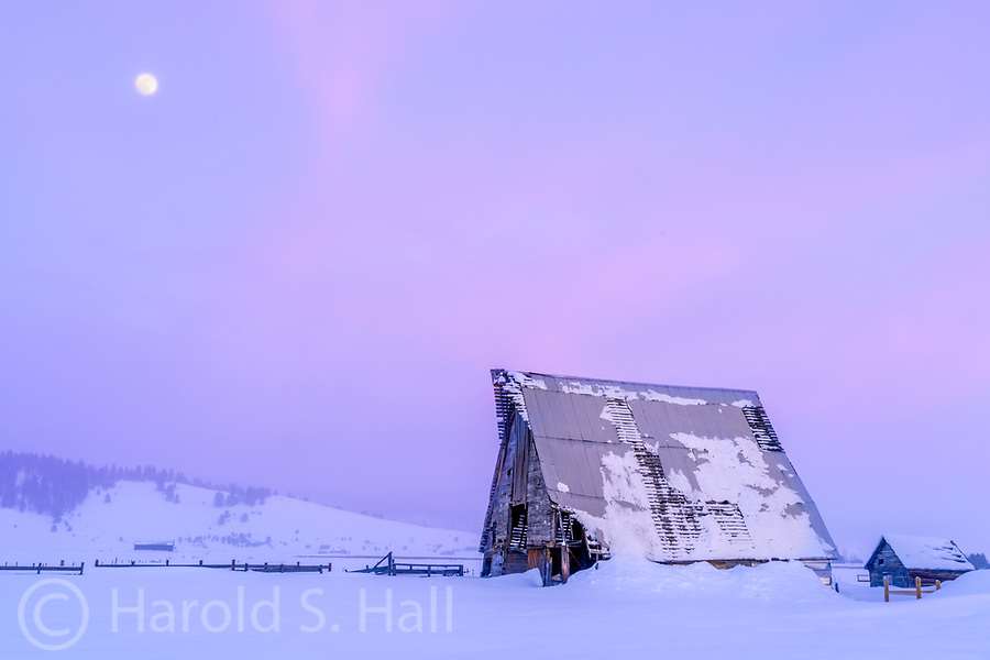 A picturesque old barn in Idaho spends yet another night trying to weather the elements.