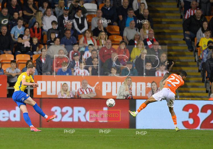 24/08/2021 Carabao Cup 2nd Round Blackpool v Sunderland <br /> <br /> Aiden O'Brien scores the second goal for Sunderland
