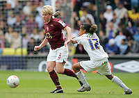 Arsenal vs Leeds United - Womens FA Cup Final at Millwall Football Club - 01/05/06 - Arsenal's Leanne Champ (left) brings the ball away from Jess Clarke - (Gavin Ellis 2006)