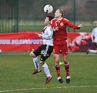 Denmark U17 - Germany U17 : duel tussen 10 Jasmin Sehan en 4 Maja Kildemoes.foto Joke Vuylsteke / Vrouwenteam.be