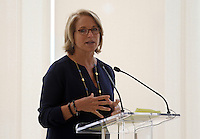 Feb. 26, 2011- Charlottesville, Virginia (USA)- CBS Evening News anchor Katie Couric was the featured speaker for the opening of the Emily Couric Clinic Cancer Center at the University of Virginia Health System in Charlottesville, Va. The building is named after her sister Emily Couric who died of pancreatic cancer in 2001. Credit Image: © Andrew Shurtleff