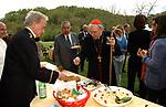 CARDINAL GIOVANNI BATTISTA RE AL BUFFET<br /> COMPLEANNO MARIO D'URSO - CAMPAGNANO ROMANO 04 2003