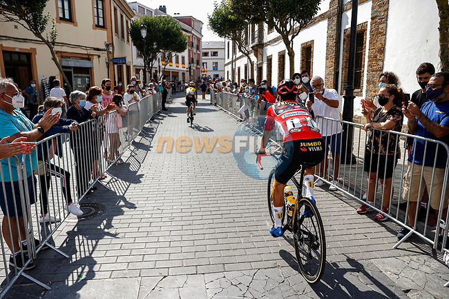 Race leader Primoz Roglic (SLO) Jumbo-Visma heads to sign on before Stage 19 of La Vuelta d'Espana 2021, running 191.2km from Tapia de Casariego to Monforte de Lemos, Spain. 3rd September 2021.    <br /> Picture: Luis Angel Gomez/Photogomezsport | Cyclefile<br /> <br /> All photos usage must carry mandatory copyright credit (© Cyclefile | Luis Angel Gomez/Photogomezsport)