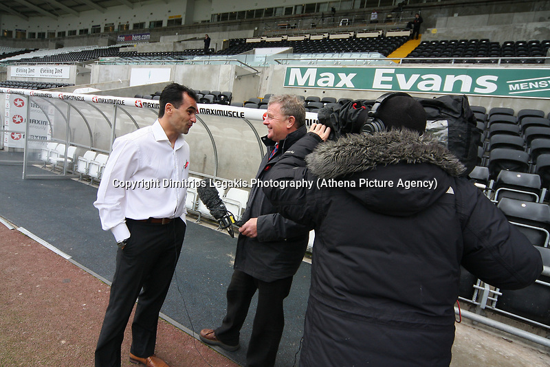 Pictured: Roberto Martínez (left) Manager of Swansea City<br /> Re: Coca Cola Championship, Swansea City Football Club v Watford at the Liberty Stadium, Swansea, south Wales 09 November 2008.<br /> Picture by Dimitrios Legakis Photography (Athena Picture Agency), Swansea, 07815441513