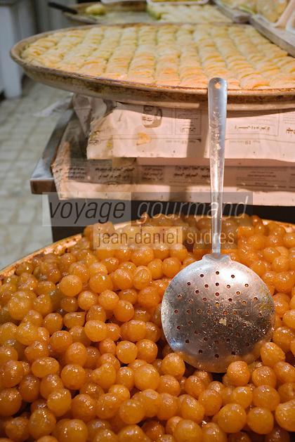 Asie/Israël/Judée/Jérusalem:Etal de pâtisseries au souk