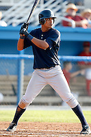 August 16, 2009:  Shortstop Kelvin Castro of the Staten Island Yankees during a game at Dwyer Stadium in Batavia, NY.  Staten Island is the Short-Season Class-A affiliate of the New York Yankees.  Photo By Mike Janes/Four Seam Images