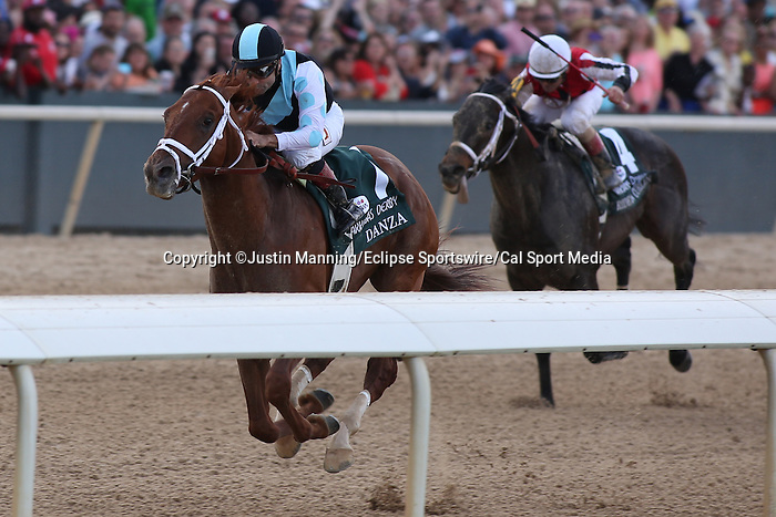 April 12, 2014: #1 Danza with jockey Joe Bravo aboard pulling away from the other horses during the Arkansas Derby at Oaklawn Park in Hot Springs, AR. Justin Manning/ESW/CSM