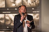 Nach zwei Jahren ohne eigene Ausstellungsraeume eroeffnet die Galerie fuer Photographie C/O Berlin am 30. Oktober 2014 am neuen Standort im Amerika Haus am Bahnhof Zoo in der Hardenbergstraße 22-24 in Berlin-Charlottenburg.<br /> Am Mittwoch den 29. Oktober 2014 gab es ein Opening fuer die Presse.<br /> Im Bild: Stephan Erfurt, Vorstand.<br /> 29.10.2014, Berlin<br /> Copyright: Christian-Ditsch.de<br /> [Inhaltsveraendernde Manipulation des Fotos nur nach ausdruecklicher Genehmigung des Fotografen. Vereinbarungen ueber Abtretung von Persoenlichkeitsrechten/Model Release der abgebildeten Person/Personen liegen nicht vor. NO MODEL RELEASE! Don't publish without copyright Christian-Ditsch.de, Veroeffentlichung nur mit Fotografennennung, sowie gegen Honorar, MwSt. und Beleg. Konto: I N G - D i B a, IBAN DE58500105175400192269, BIC INGDDEFFXXX, Kontakt: post@christian-ditsch.de<br /> Urhebervermerk wird gemaess Paragraph 13 UHG verlangt.]