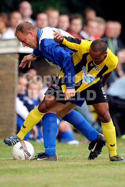 voetbal wagenborger boys - bv veendam oefenwedstrijd seizoen 2008-2009 04-07-2008.felle duels.