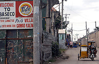 """The Basico port area slum of Manila, the """"kindey market where over 300 men have sold their kidneys.  All recieved between 70,000 -  90,000 pesos (800 - 1030 pounds).  More than 300 have sold their kidneys in this slum of 16,000 people.<br /> <br /> PHORO BY RICHARD"""