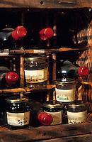 Europe/France/Languedoc-Roussillon/11/Aude/Env. de Carcassonne: Confits de vins monocépage de Roland et Colette Poite