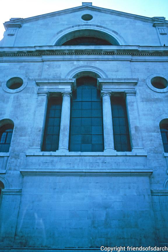 Nicholas Hawksmoor: Christ Church, Spitafields. East elevation. Photo '05.
