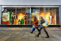 2020 19 12  Christmas shopping during Covid-19 Coronavirus pandemic, Swansea, Wales, UK