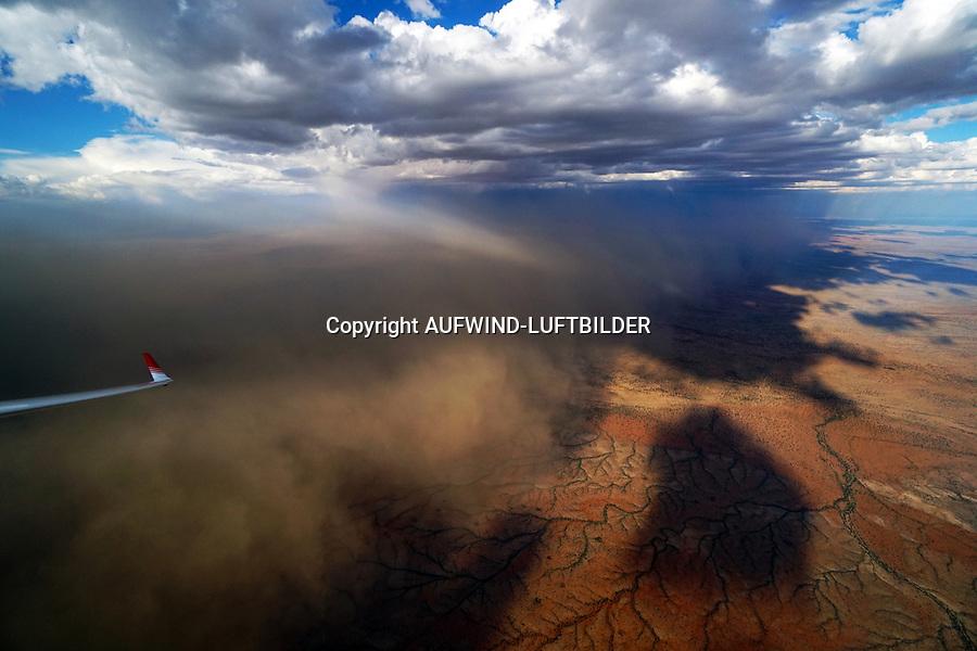 Sandsturm unter Cumulus AFRIKA, NAMIBIA: Sandsturm unter Cumulus