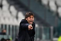 Football Soccer: Tim Cup Semi Finals second leg Juventus vs InternazionaleMilan, Allianz Staium Stadium in Turin, on February 9, 2021.<br /> Inter's coach Antonio Conte speaks to his players during the Italian Tim Cup Semi Final match between Juventus vs InterMilan at Allianz Stadium in Turin, on February 9, 2021.<br /> UPDATE IMAGES PRESS/Isabella Bonotto