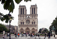 01-06-10, Tennis, France, Paris, Notra Dame