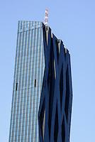 Moderne Architektur in der Donau--City, Wien, Österreich<br /> Copa Cagrana and modernarchitecture in Donau-City, Vienna, Austria
