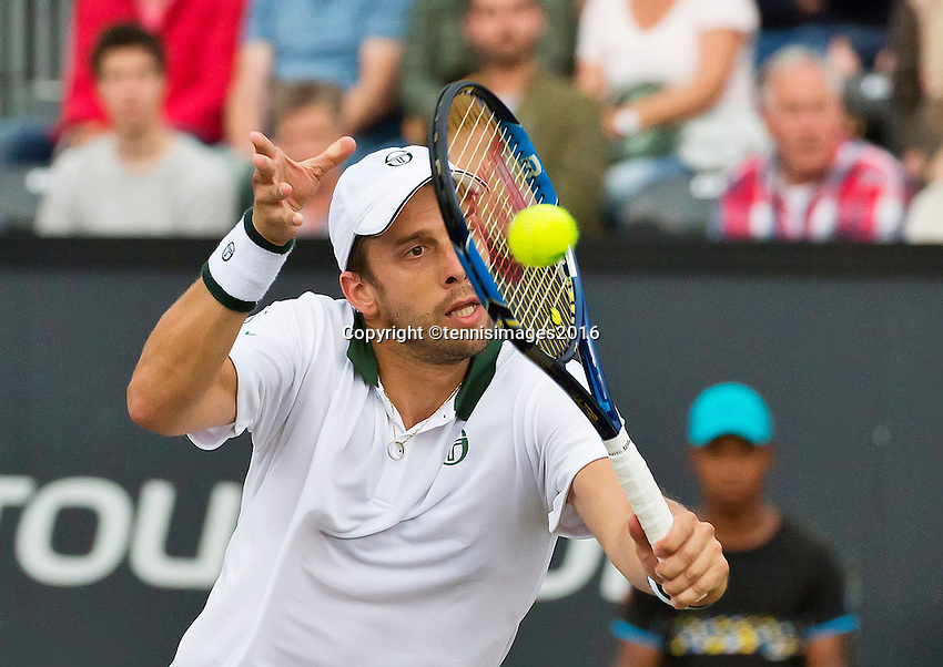 Den Bosch, Netherlands, 12 June, 2016, Tennis, Ricoh Open, Gilles Muller (LUX)<br /> Photo: Henk Koster/tennisimages.com