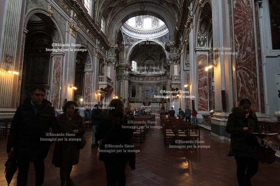 - NAPOLI 23 MAR  2014 - Chiesa dei Santi Apostoli, aperta per le  giornate Fai.