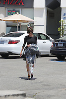 APRIL 29 2013.AMERICAN TELEVISION HOST AND ACTRESS LISA RINNA IN LOS ANGELES.Non Exclusive.Mandatory Credit: OHPIX.COM..Ref: OH_LULAX