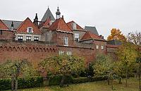 Nederland  Zutphen -  2020.  Huizen bij de oude stadsmuur.    Foto : ANP/ HH / Berlinda van Dam