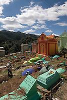 Guatemala, auf dem Friedhof in Chichicastenango