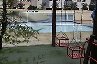 Campinas (SP), 31/03/2021 - A cidade de Campinas (SP) anunciou nesta terca-feira (30) que vai proibir o uso de areas coletivas em condominios residenciais, o que inclui piscinas, quadras de esportes, academias e salao de festas, durante a fase emergencial do Plano Sao Paulo - valida ate o dia 11 de abril. A restricao sera publicada nesta quarta-feira (31) no Diario Oficial do municipio e e um aditivo ao decreto de restricoes publicado no dia 25 de marco. (Foto: Denny Cesare/Codigo 19/Codigo 19)