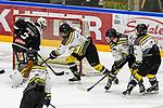 21.11.2020, Eissporthalle am Huehnerberg, Memmingen, DFEL, ECDC Memmingen Indians vs Mad Dogs Mannheim, <br /> im Bild Empty Net Goal durch Kassandra Roache (Memmingen, #3) zum 6:4 Endstand, Lea Welcke (Mannheim, #13), Laura Brückmann / Brueckmann (Mannheim, #90), Tara Schmitz (Mannheim, #4), Alexandra Woken (Mannheim, #20)<br /> <br /> Foto © nordphoto / Hafner