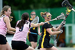 GER - Hannover, Germany, May 31: During the Women Lacrosse Playoffs 2015 match between KIT SC Karlsruhe (pink) and HTHC Hamburg (black) on May 31, 2015 at Deutscher Hockey-Club Hannover e.V. in Hannover, Germany. Final score 3:18. (Photo by Dirk Markgraf / www.265-images.com) *** Local caption *** Svea Knapp #11 of HTHC Hamburg