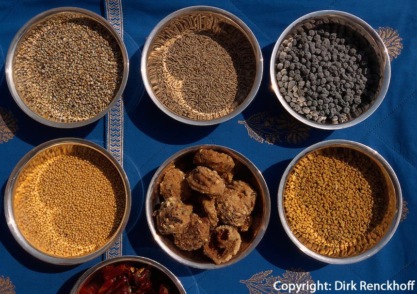 Indien, Udaipur, Restaurant im Hotel Udaivilas, Gewürze für Curry