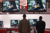 - SMAU, international exibition of electronics, computer and technological innovation, digital television with plasma screen..- SMAU, salone internazionale dell'elettronica, informatica e innovazione tecnologica, televisori digitali con schermo al plasma