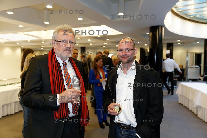 v.l.n.r. Erhard Reuter, Schaetz Dominik<br /> am 32. SKO LeaderCircle am 12. Maerz 2014 im SIX Swiss Exchange,  Zuerich<br /> <br /> Copyright © Zvonimir Pisonic