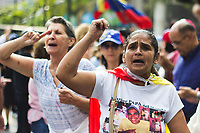 CARACAS - VENEZUELA, 12-03-2019:  La gente protesta durante una manifestación contra el apagón y Nicolás Maduro el 12 de marzo de 2019 en Caracas, Venezuela. Juan Guaido, declarado presidente interino por la Asamblea Nacional y aceptado por muchos miembros de la comunidad internacional, convocó una manifestación para protestar contra el apagón que está afectando a Venezuela. Según sus palabras, es consecuencia de una corrupción y mala gestión del gobierno de Nicolás Maduro. / People protest during a demonstration against the blackout and the Nicolás Maduro on March 12, 2019 in Caracas, Venezuela. Juan Guaido, declared interim president by the National assembly and accepted by many members of the international community called a demonstration to protest against the blackout which is affecting Venezuela. According to his words, it a consequence of a corruption and mismanagement of the government of Nicolas Maduro. Photo: VizzorImage / Carolain Caraballo / Cont