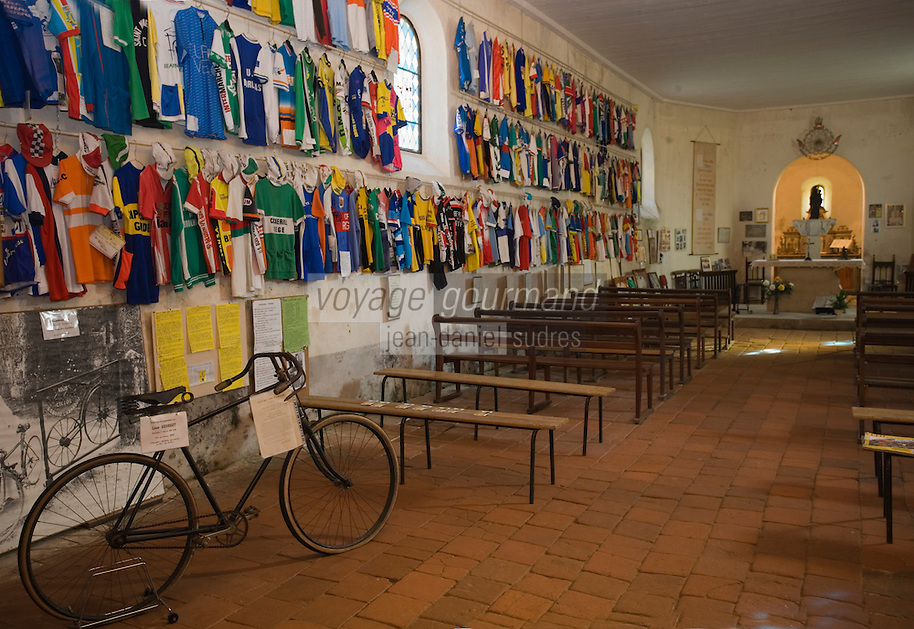 Europe/France/Aquitaine/40/Landes/Labastide-d'Armagnac: Chapelle Notre Dame des Cyclistes - cette  petite chapellle romane du XI est vouée depuis 1959 au  héros du Tour de France