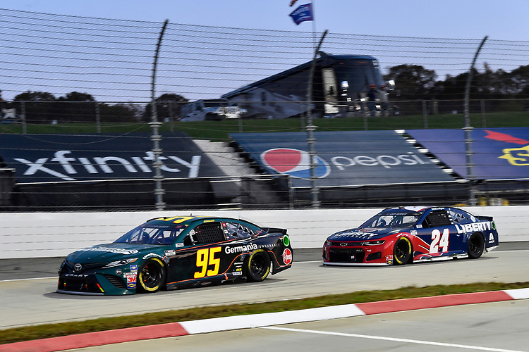 #95: Christopher Bell, Leavine Family Racing, Toyota Camry Germania Insurance, #24: William Byron, Hendrick Motorsports, Chevrolet Camaro Liberty University
