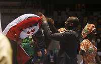 8e Jeux de la Francophonie d'Abidjan 2017 - Finales lutte - Parc des sports de Treichville - Steen du Canada reçois sa médaille en OR de la main du ministre Sidy Diallo - Abidjan, Côte d'Ivoire - 24 juillet 2017