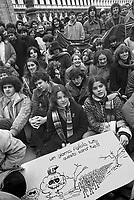 - demonstration against the government committee for the nuclear safety (January 1980)....- manifestazione contro la  commissione governativa per la sicurezza nucleare (gennaio 1980)..
